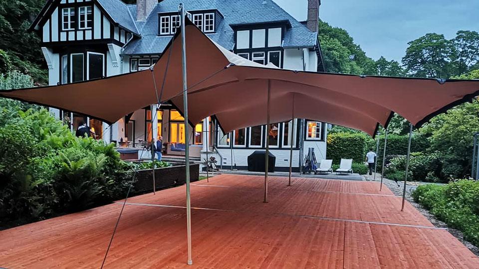 alphatentevent-bruilofttenthuren-vlondervloer-flextent-75x15-meter-bloemendaal-tuinfeest-stretchtent-web